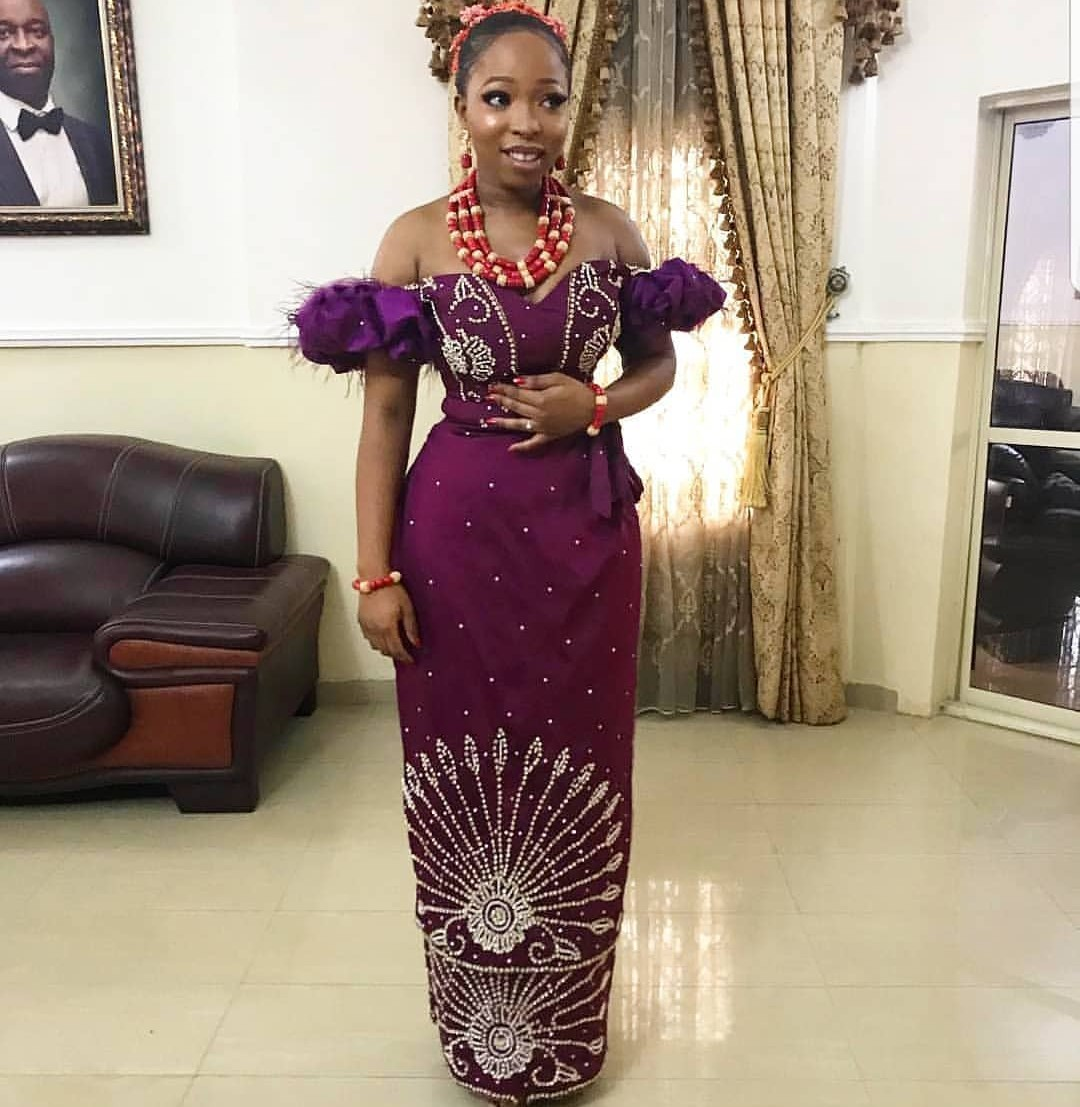 2020 GOWNS NIGERIAN STYLES FOR WOMEN LOVE TRADITIONAL LOOK! 2