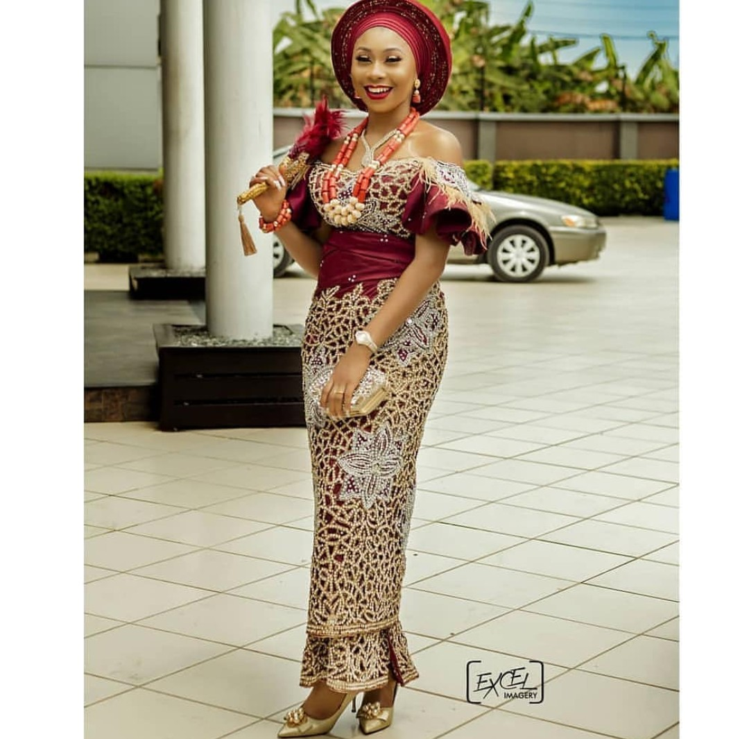 2020 GOWNS NIGERIAN STYLES FOR WOMEN LOVE TRADITIONAL LOOK! 3