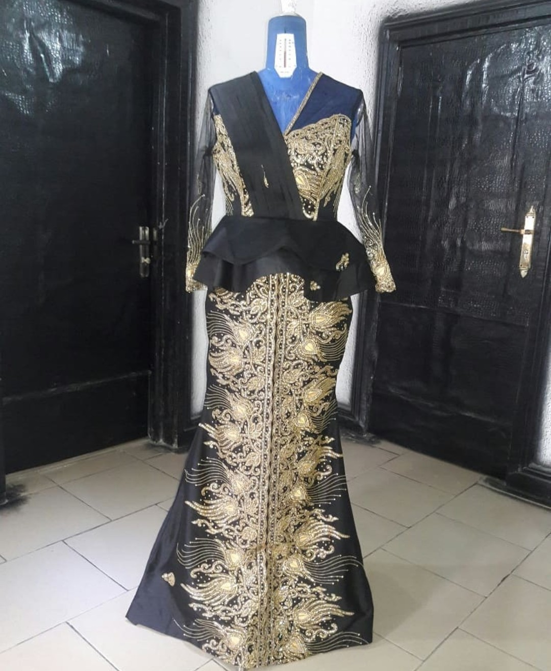 2020 TRADITIONAL SKIRTS&BLOUSES STYLES 2020 LATEST LACE GOWNS DESIGNS 4