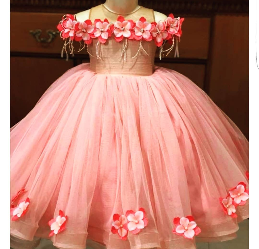10 AMAZING CUTE GIRLS GOWNS STYLES 2020, YOU AND YOUR GIRL WILL LOVE THEM. 7