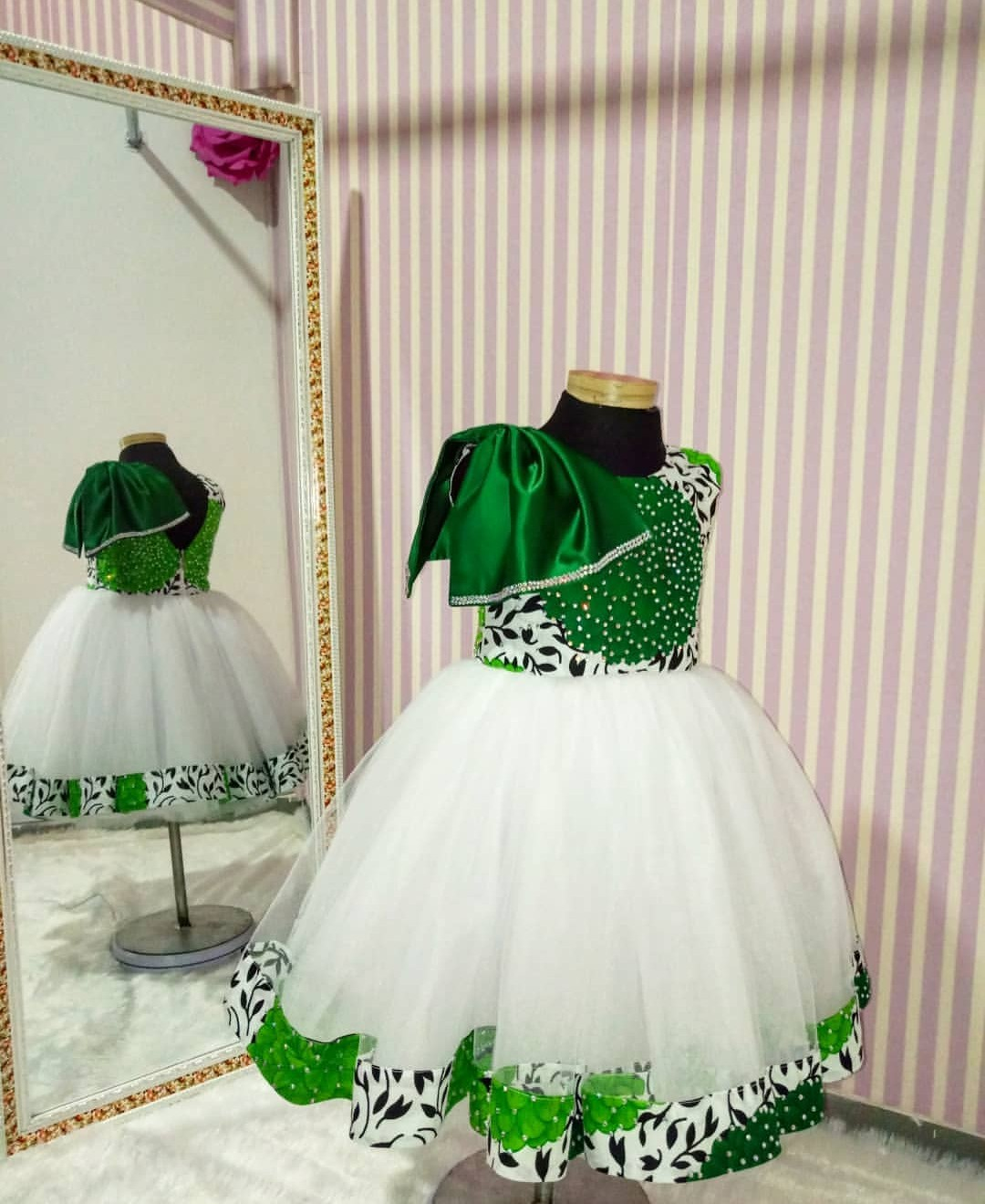 GIRLS GOWNS STYLES 2019/2020