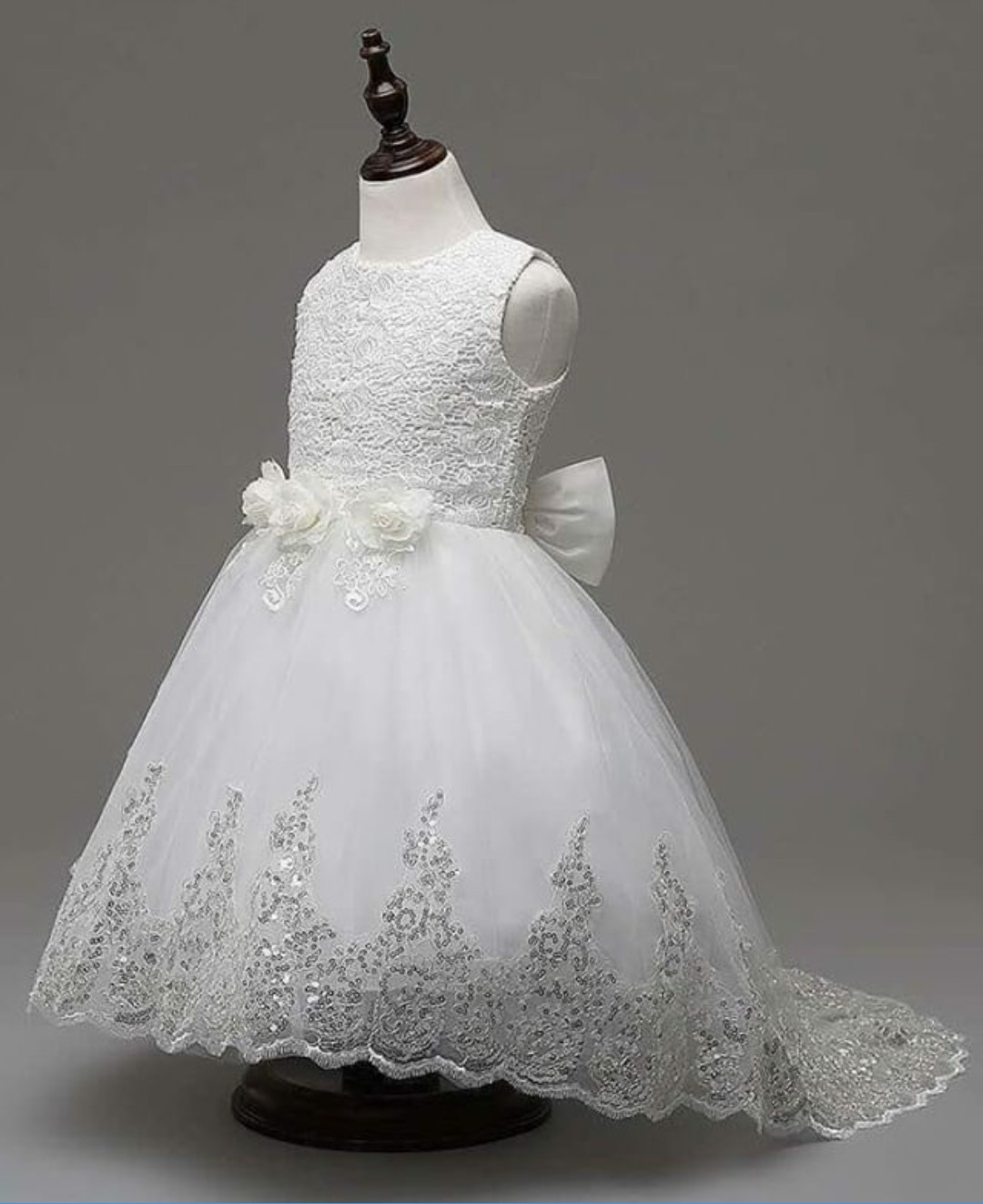 10 AMAZING CUTE GIRLS GOWNS STYLES 2020, YOU AND YOUR GIRL WILL LOVE THEM. 4