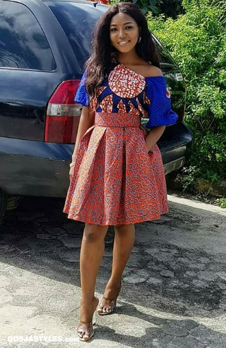 TRENDY COLLECTION 2020 GOWNS STYLES FOR YOUR NEXT OWAMBE PARTIES. 5