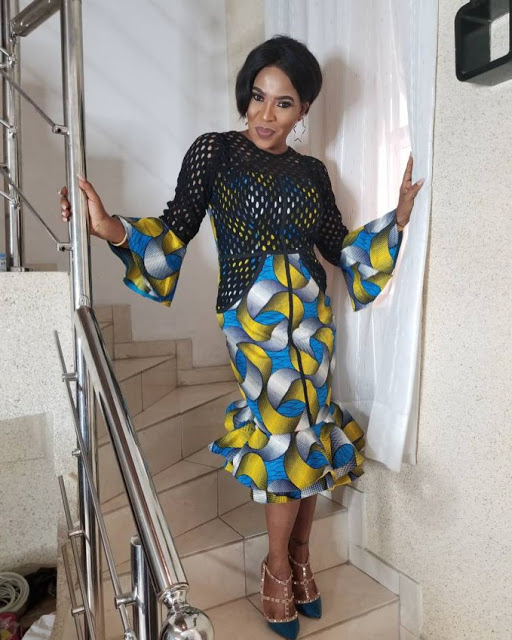 NEW FASHION STYLE, TRENDY AFRICAN DRESSES STYLES LOOKS NICE 7