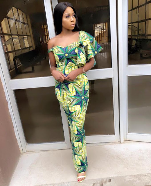 NEW FASHION STYLE, TRENDY AFRICAN DRESSES STYLES LOOKS NICE 8